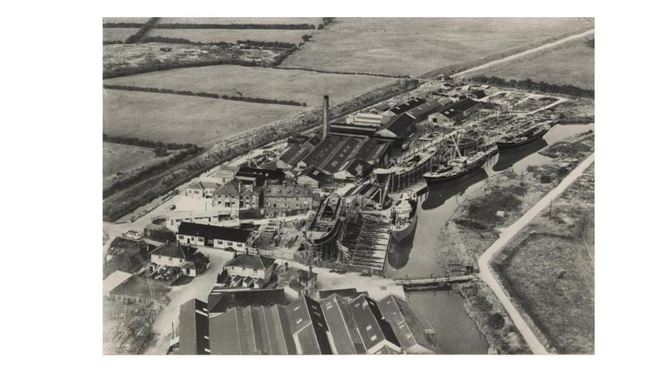 Aerial view of Grovehill shipyard 1950 (archive ref DDX1235 2 3)