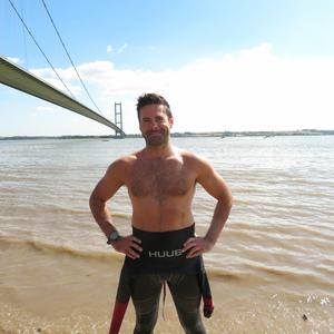 HULL SWIMMER EYES NEW RIVER HUMBER RECORD